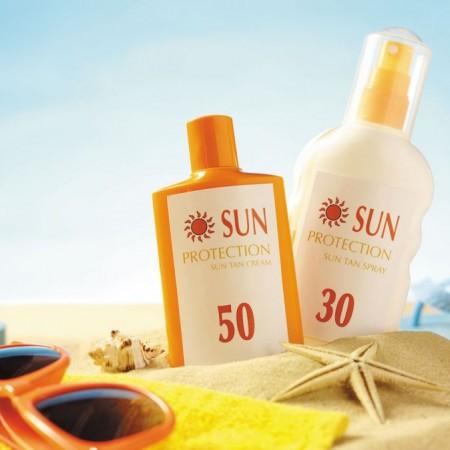 Hơn 75% kem chống nắng chứa hóa chất độc hại