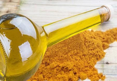 Tinh dầu nghệ, lợi ích cho sức khỏe và da mà bạn chưa biết và những lưu ý khi sử dụng